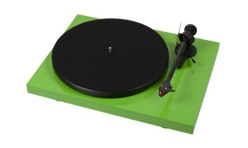 - Pro-Ject Debut Carbon DC Turntable